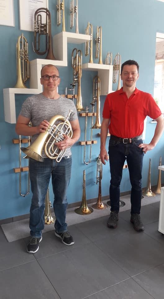 Bassflügelhorn In Vertikaler Bauweise